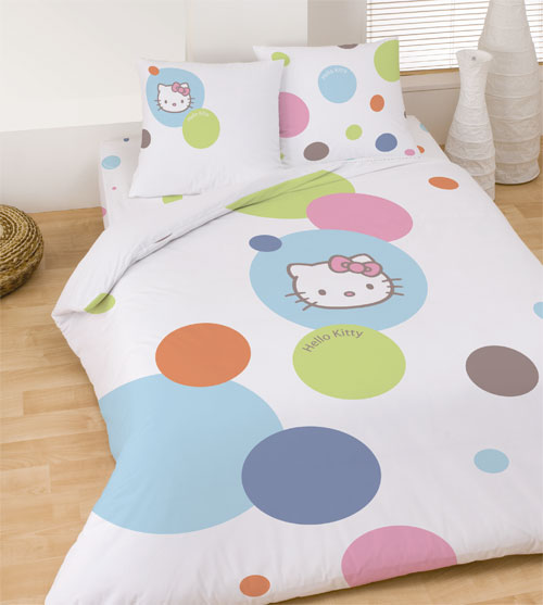 housse de couette hello kitty bulles 200x200 cm taie d. Black Bedroom Furniture Sets. Home Design Ideas