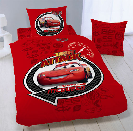 drap housse disney cars drift attack 90 x 190 cm. Black Bedroom Furniture Sets. Home Design Ideas