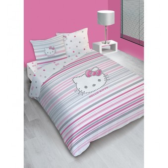 parure housse de couette hello kitty strass 240 x 220 2 taies d 39 oreiller plushtoy. Black Bedroom Furniture Sets. Home Design Ideas